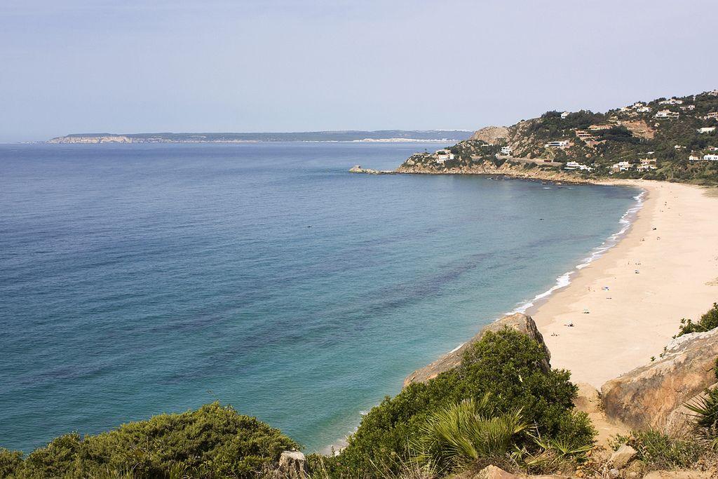 Mejores playas de Cádiz PLAYA DE LOS ALEMANES